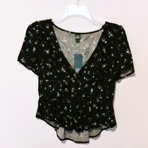 Wild Fable Black Floral cropped blouse (M)
